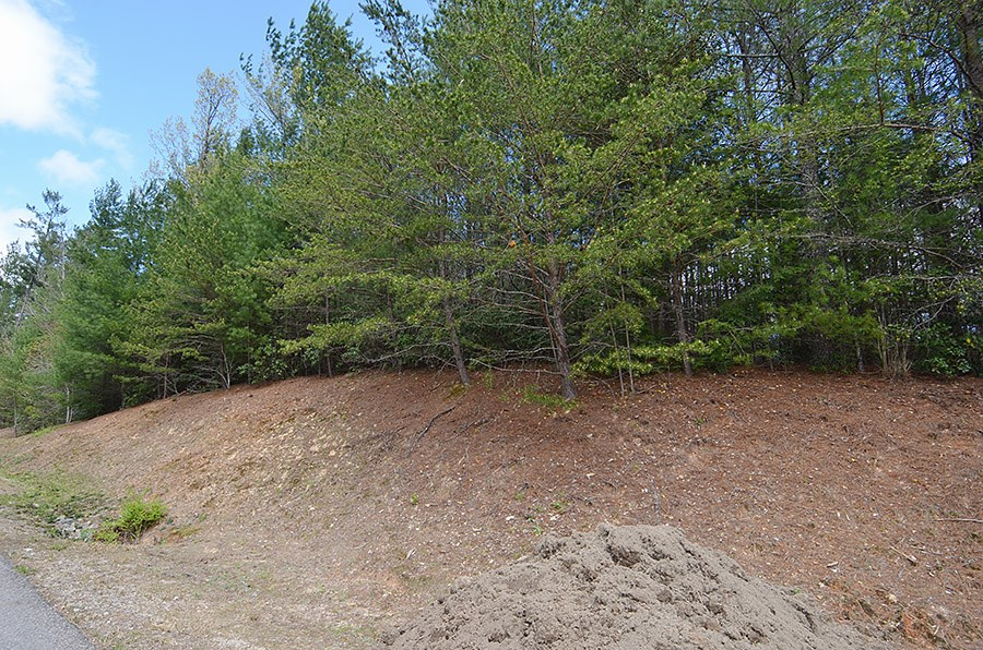 Nice Lot In Cross Creek Subdivision